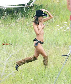 Alessandra-Ambrosio-501+%7E+SexyCelebs.in+Exclusive.jpg