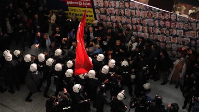 Μόνο …τα τυπικά λείπουν για να ονομαστεί δικτατορία η Τουρκία