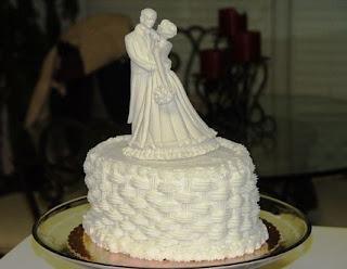kue ultah pernikahan