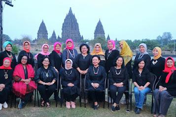 Paket Tour Wisata Jogja 2 Hari 1 Malam - Gumuk Pasir Parangkusumo - Prambanan - Borobudur