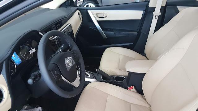 Novo Corolla 2018 Altis - interior