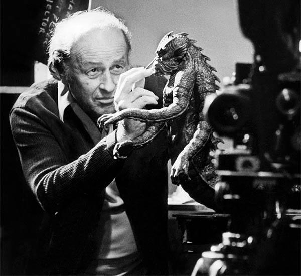 5e303a771 Ray es verdaderamente único en la historia del cine y como técnico de  efectos especiales en cuanto a que es realmente el autor de sus películas.