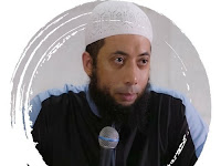 Biografi dan Profil Ustadz Khalid Basalamah