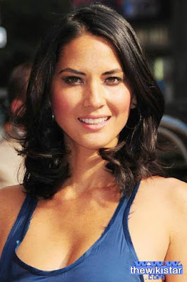 The life story of Olivia Munn, comic actress and fashion model and the introduction of US and writer.