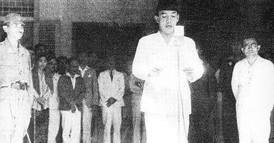Naskah Drama Bahasa Indonesia Tentang Detik Detik Menjelang