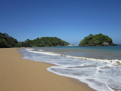 Objek Wisata Pantai Kondang Merak