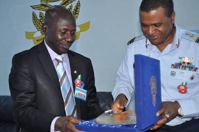 EFCC collaborates with NAF to fight corruption
