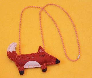 https://www.etsy.com/listing/157935360/red-foxy-necklace-handmade-chain-of-felt?ga_order=most_relevant&ga_search_type=all&ga_view_type=gallery&ga_search_query=necklace%20handmade&ref=sr_gallery_2