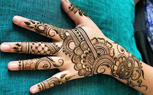 Gambar Lukisan Henna sederhana dan Cantik
