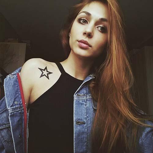 woman shoulder bold star tattoo kadın omuz kalın yıldız dövmesi