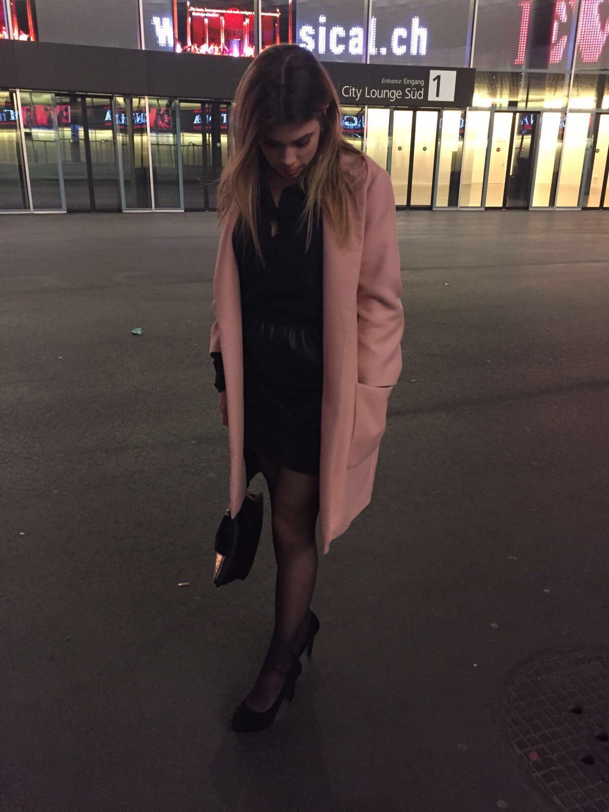 Schwarz/Pinkes Outfit für den Abend