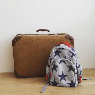 ondeugende spruit vakantie perikelen voorbereiding koffer rugzak