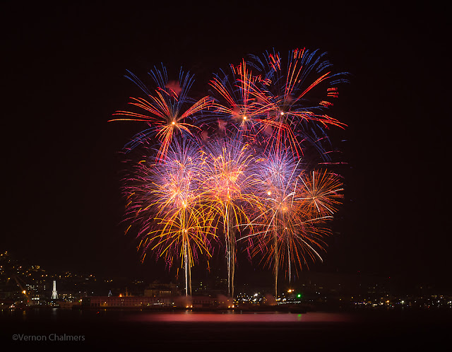 Fireworks V&A Waterfront Cape Town South Africa : Canon EOS 6D / 70-300mm Lens