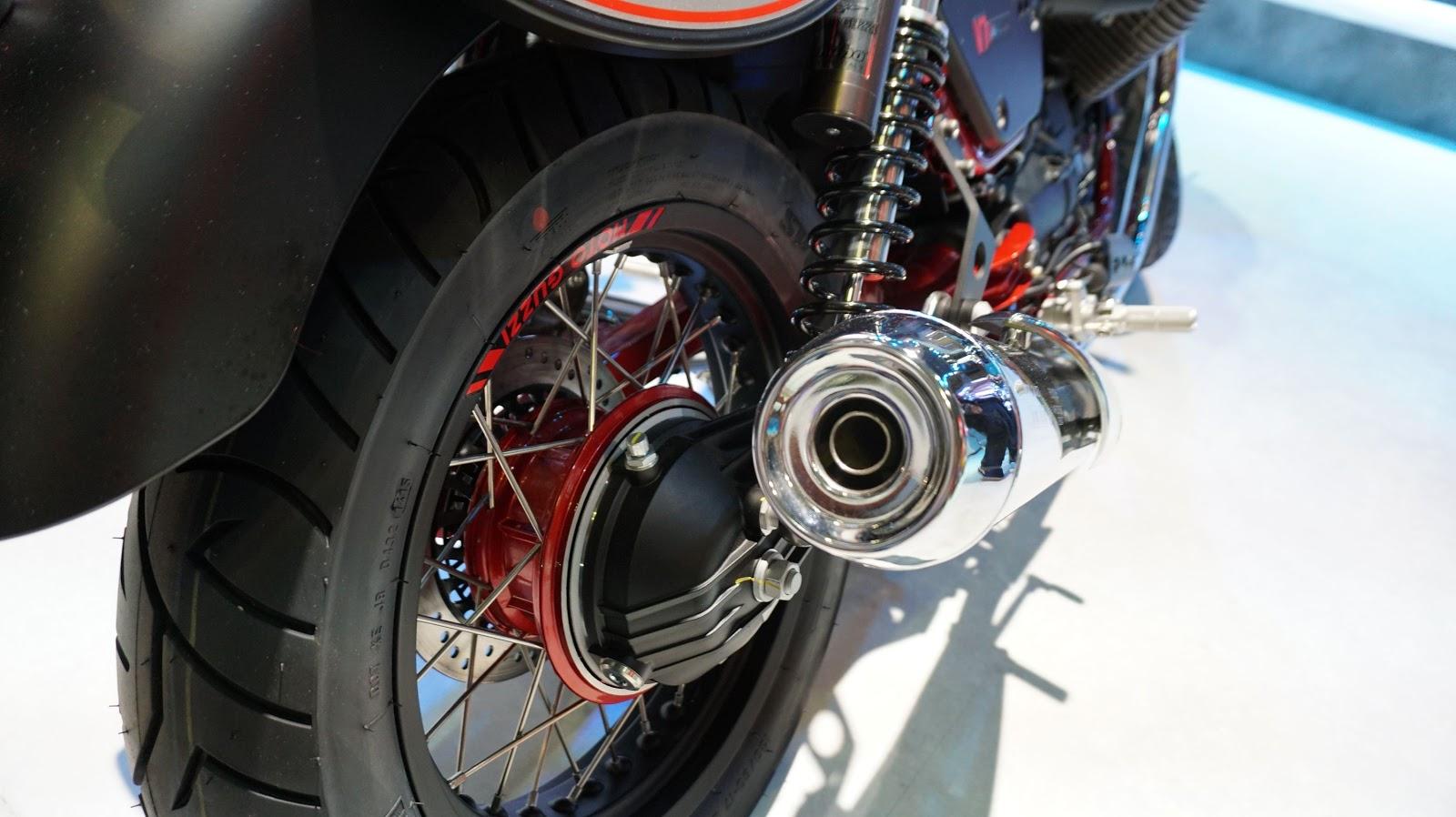 Moto Guzzi V7 II Stone Race