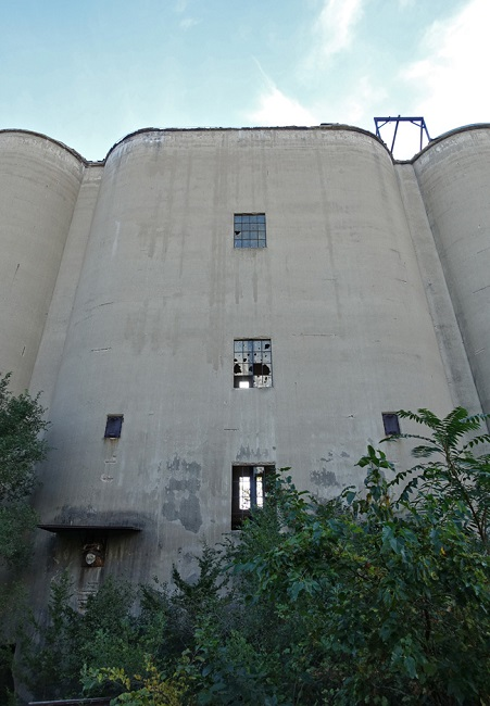 Lehigh Portland Cement : Abandoned lehigh portland cement company in oglesby illinois