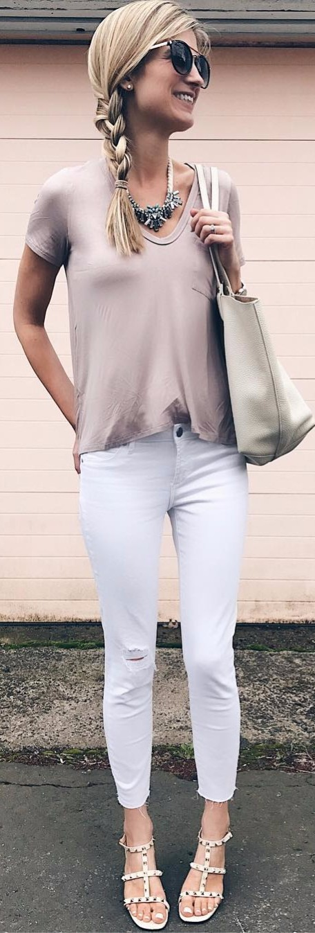 When you can't live without nudes. Mix of pastels: top + jeans