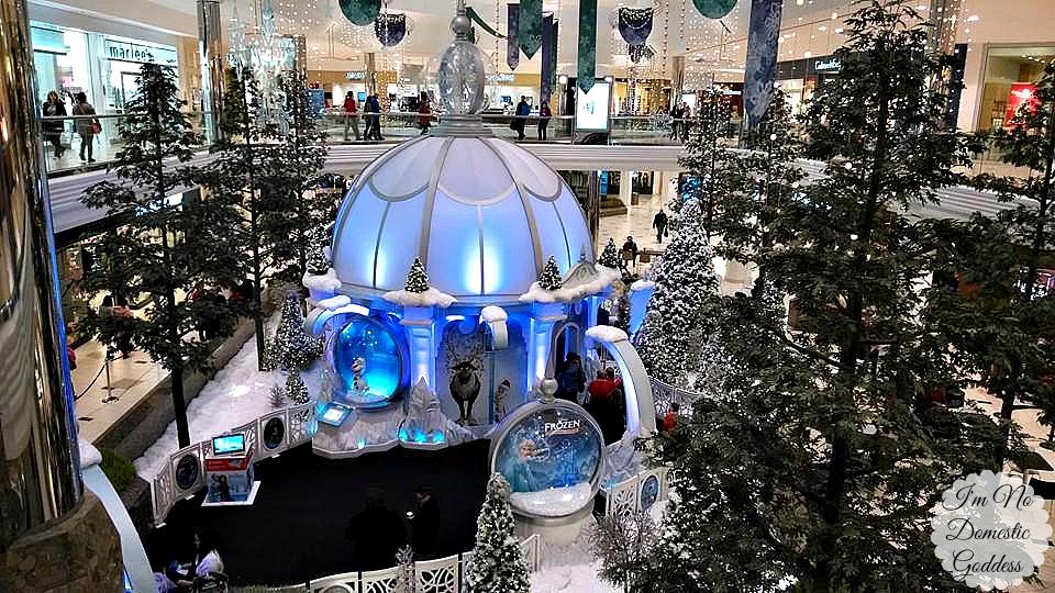 Twelve Oaks Mall Holiday Shopping and Family Fun ~ I'm No Domestic Goddess