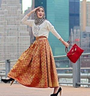 dewasa ini memang harus dipahami oleh para perempuan 10 Tutorial Hijab Untuk Traveling yang Praktis Diaplikasikan