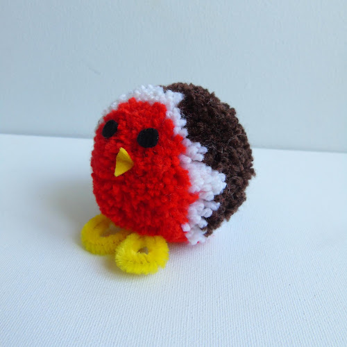 finished pom pom festive robin
