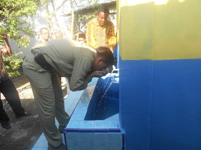 Sarana air bersih bantuan PT Inalum di Desa Pangkalan Dodek saat diresmikan.