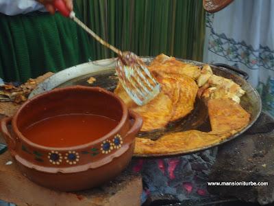 CocinaTradicional Michoacana en el Tianguis de Domingo de Ramos en Uruapan