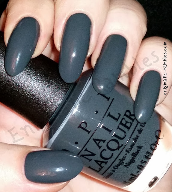 swatch-opi-liv-in-the-gray-grey