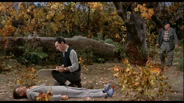 Philip Truex, John Forsythe, et Edmund Gwenn dans Mais qui a tué Harry ? réalisé par Sir Alfred Hitchcock (1955)