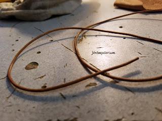 Fil de cuir 2mm servant à faire le collier des bijoux