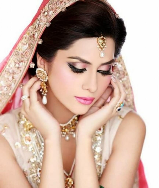 Humaima Malik Lollywood Actress Model Hd Wallpaper Pics Photo & Image