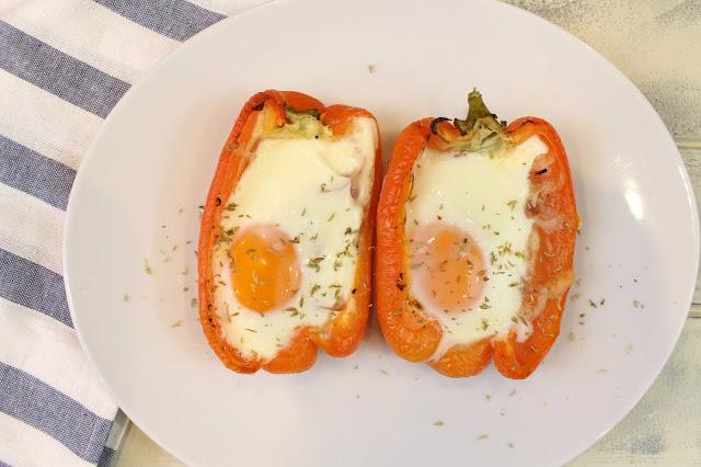 pimientos rellenos de jamón, queso y huevo