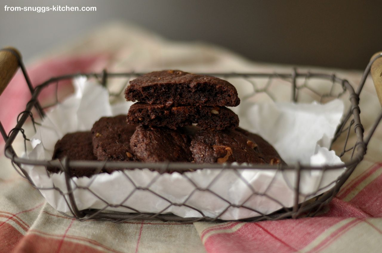 Double Chocolate Cookies mit Nüssen
