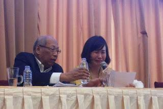 Sambil Menangis, Veronica Tan Lanjutkan Bacakan Surat Ahok