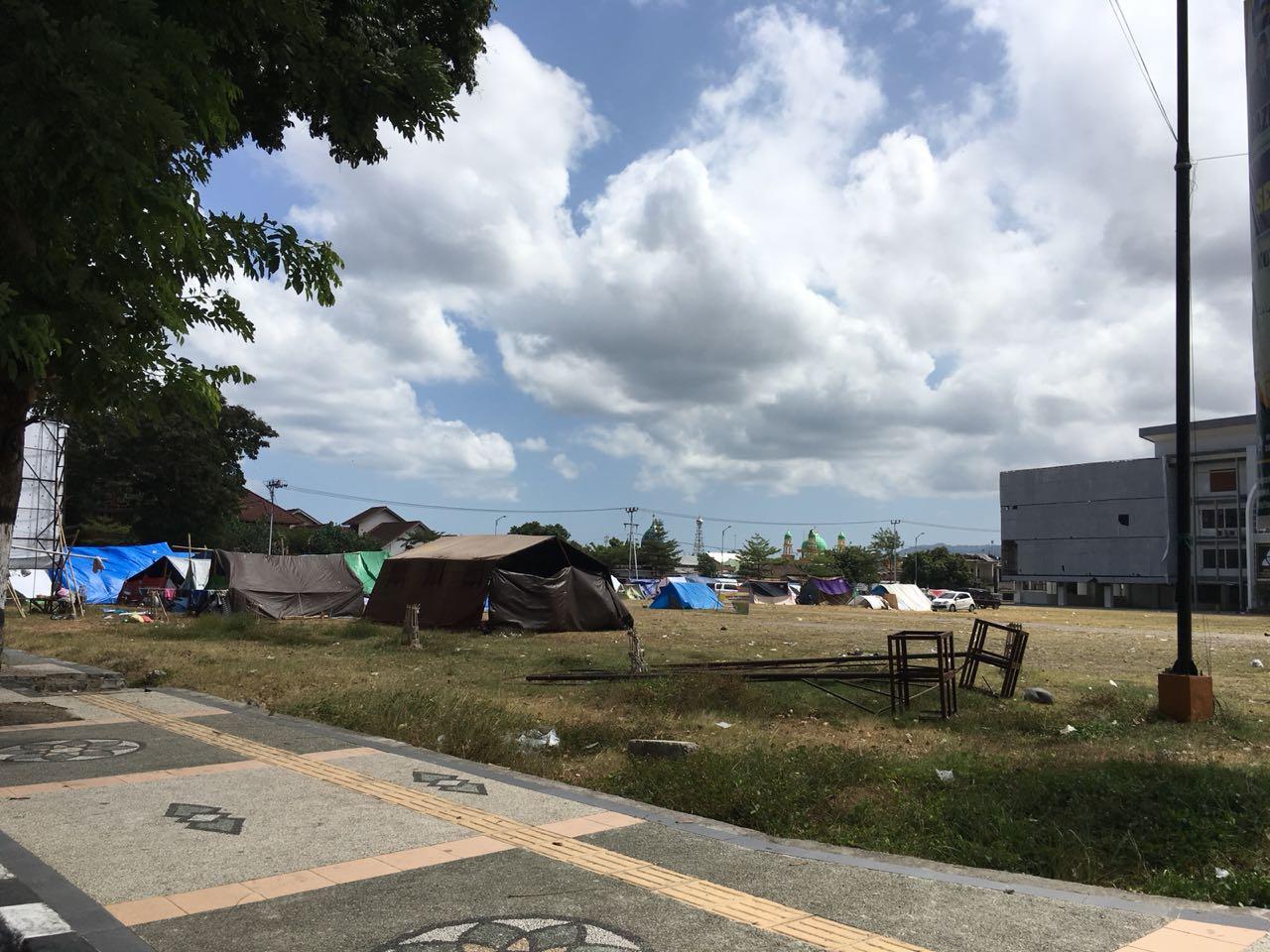 Penampakan Pengungsian di Islamic Center Lombok