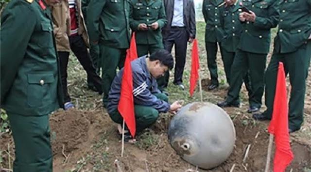 bola-logam-yang-jatuh-dari-langit-Vietnam