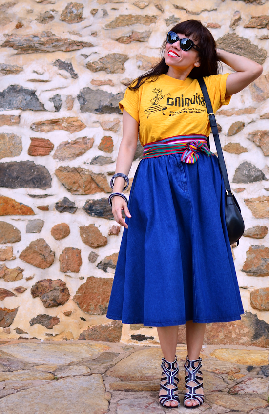 Outfit with full skirt
