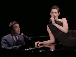Sexy Performance: Anne Hathaway is the rapper