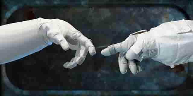 Primer contacto de cosmonautas con extraterrestres en el espacio
