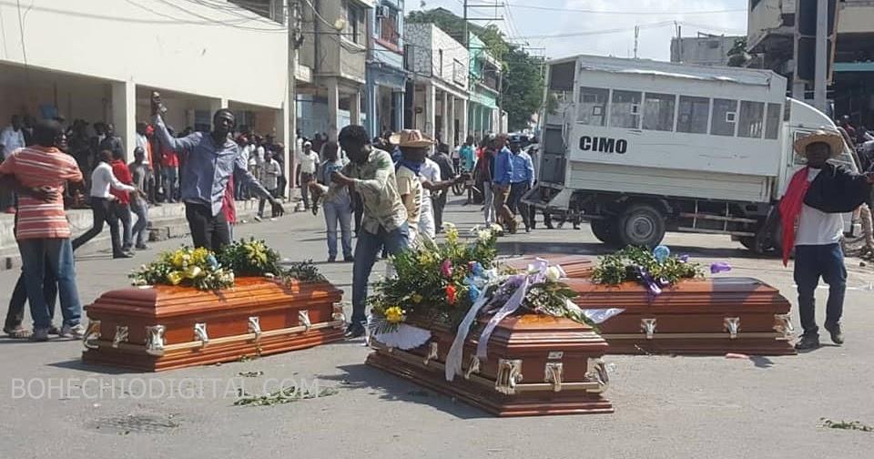 Image result for Seis heridos durante funeral de victimas en protestas en haiti
