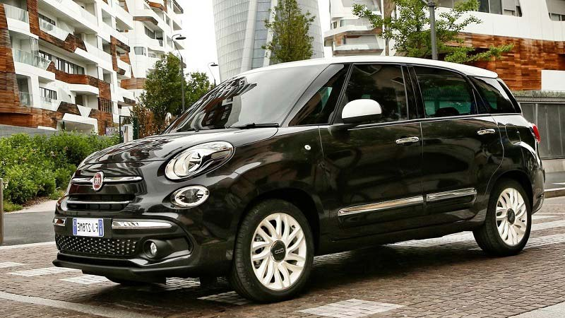 2018 fiat 500l wagon a unique combination of spaciousness and personality car reviews new. Black Bedroom Furniture Sets. Home Design Ideas