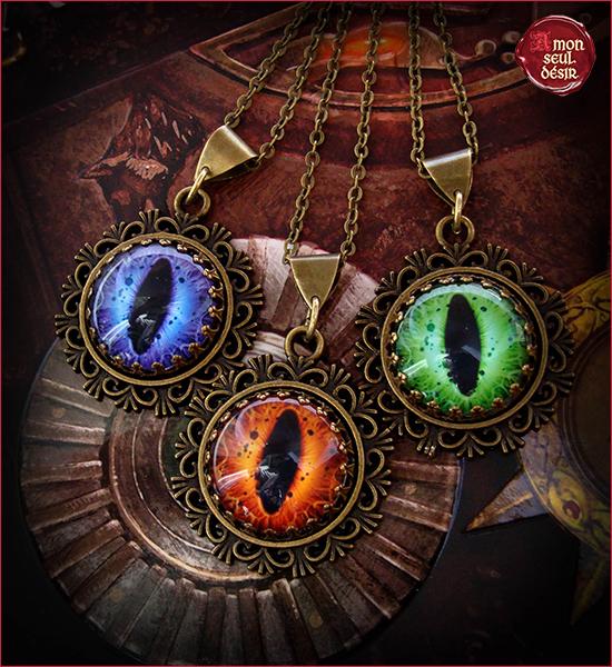 collier fantastique Œil de Dragon pendentif médiéval fantasy yeux de serpent reptile
