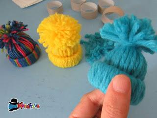 crea tanti capellini segnaposti colorati per il tuo natale