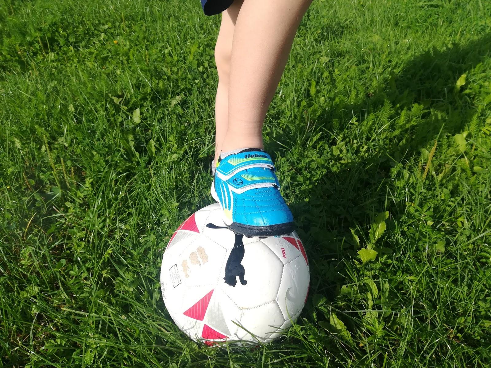 korki do piłki nożnej
