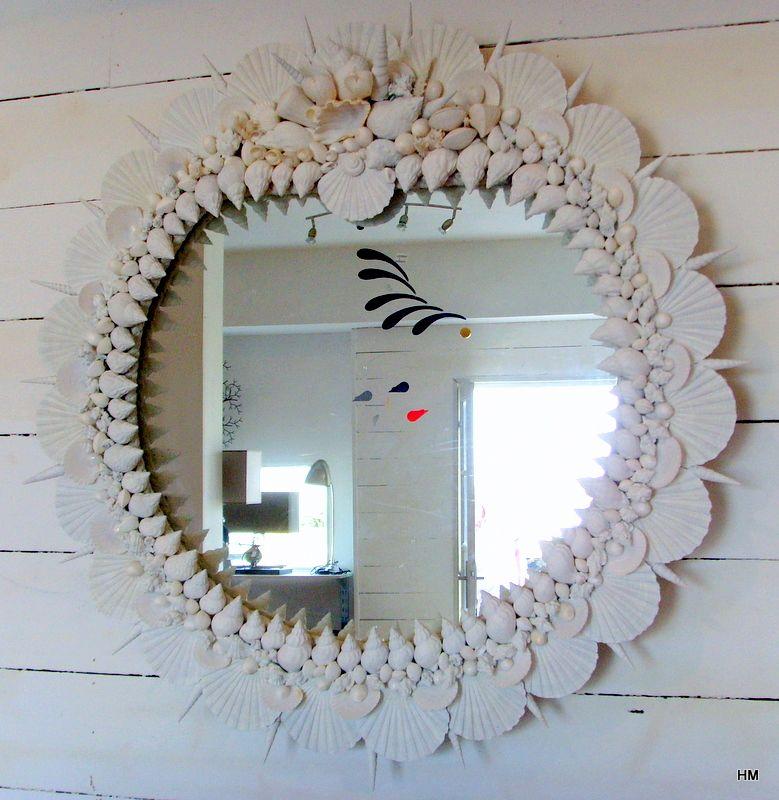 coquillages les miroirs de la mer grand miroir rond decore de coquillages. Black Bedroom Furniture Sets. Home Design Ideas