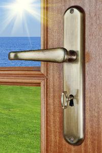 שיפוץ דלתות כניסה