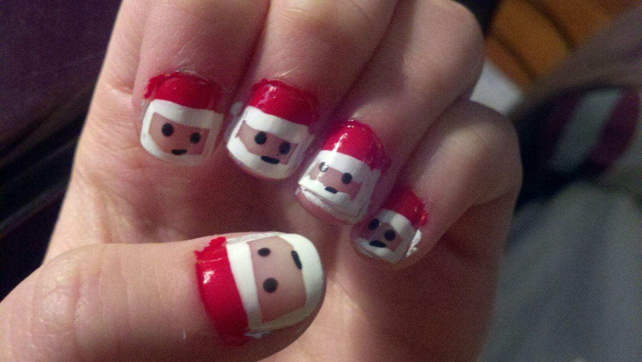 Women Beauty Tips: 10+ Sizzling Christmas Nail Polish Ideas
