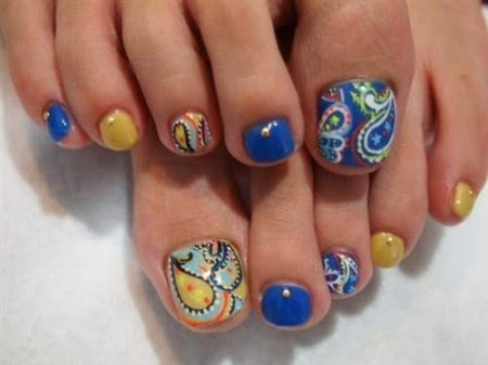 Imagenes de uñas decoradas con lindos diseños modernos de pies y manos
