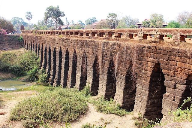 Kompong Kdei ancient bridge, Cambodia - travel blog