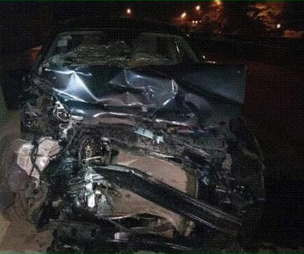 5 injured as Uber car rams into stationary RRS police vehicle in Lagos