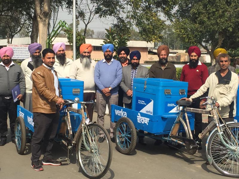 Ludhiana Verka Dairy Chairman Bhupinder Singh Kular and General Manager Harminder Singh Sandhu and others inaugurating home delivery of milk products