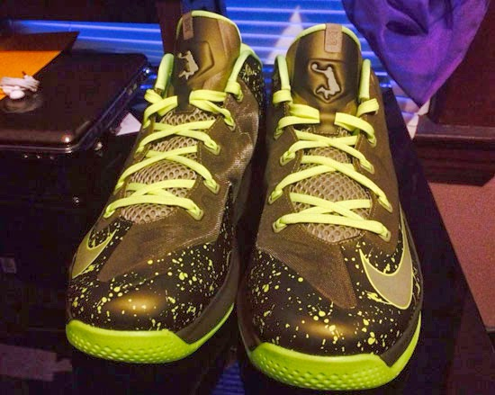 857aacf9aea2 Newest Nike Kobe 9 Elite Low Perspective Neon Turquoise Volt Bla ...